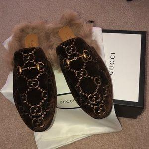 NIB Gucci Brown Velvet GG Princetown Slippers